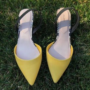 Aldo Women's Yellow Pointed Toes  Heel shoes